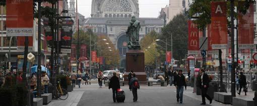 De Keizerslei met in het midden het Centraal Station van Antwerpen