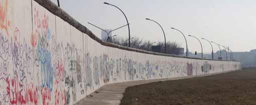 Bezienswaardigheden en bijzondere plekken langs de berlijnse muur - Muur van de ingang ...