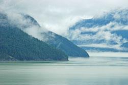 De Sea to Sky Highway ten noorden van Vancouver aan de westkust van Canada brengt je van de zee tot in de wolken