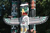 Originele totempalen in Stanley Park, Vancouver, Canada
