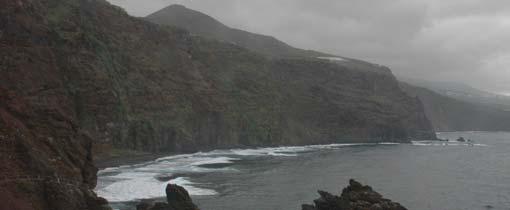 De ruige kust van de Canarische Eilanden