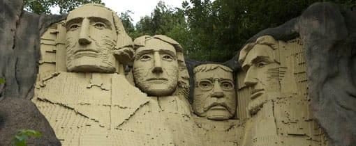 Mount Rushmore met de Amerikaanse presidenten. Nagemaakt in Legoland met maar liefst 1,5 miljoen steentjes