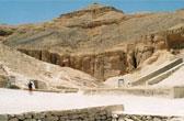 Het Koningsdal bij Luxor stamt uit de tijd van het Nieuwe Egyptische Rijk. In het dal zijn vele farao's begraven waaronder Toetanchamon