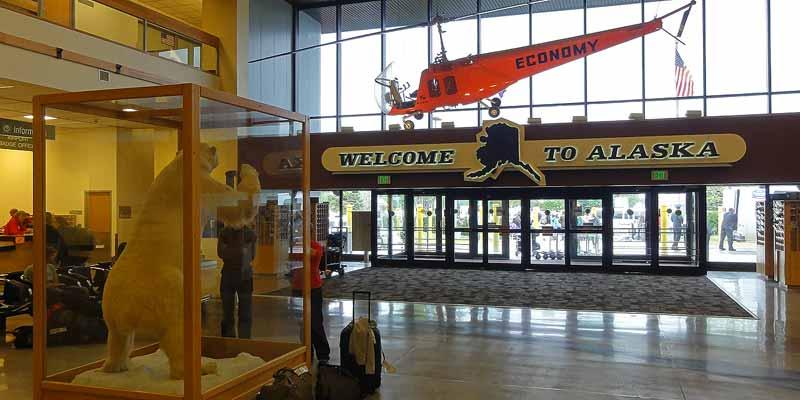 Welcome to Alaska: Aankomst op het vliegveld van Anchorage