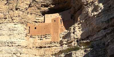 Montezuma Castle. Langs de route Phoenix - Sedona/Flagstaff