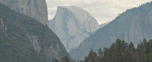 Yosemite NP. Aan de voet van El Capitan