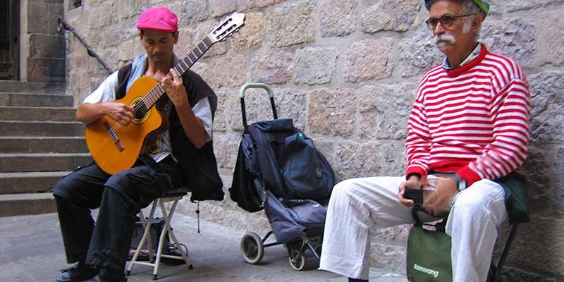 Straatmuzikanten in de gezellige Barri Gòtic buurt