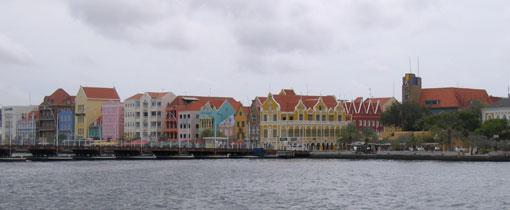 Willemstad bezienswaardigheden. De kleurrijke hoofdstad van Curaçao