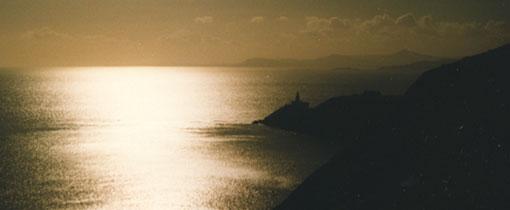 Zonsondergang aan de Ierse zee, omgeving Dublin