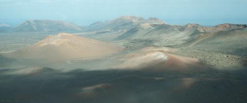 Timanfaya NP op Lanzarote. Montañas del Fuego: de vuurbergen
