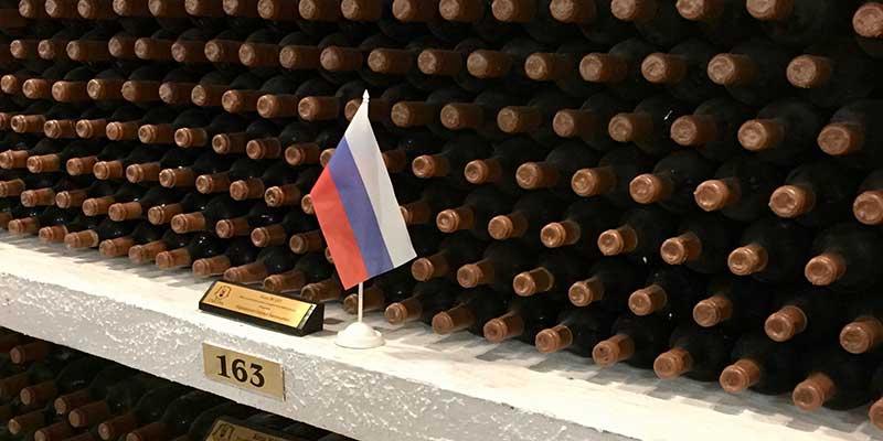 De Moldavische wijnvoorraad van de Russische president Poetin