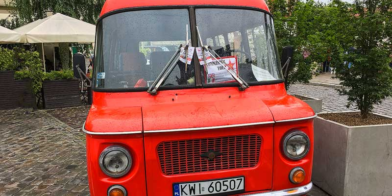 Krakau tour naar Nowa Huta met een klassiek Pools busje