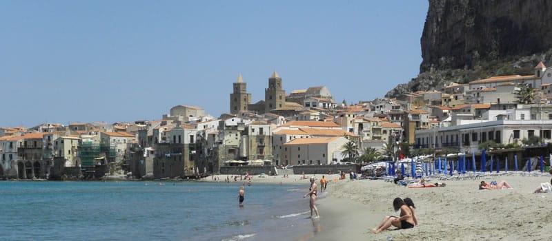 Genieten van een mooie en zonnige strandvakantie op Sicilië in het zuiden van Italië