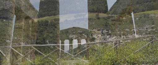 Reflectie in het raam bij de oude tempels in Agrigento op Sicilië