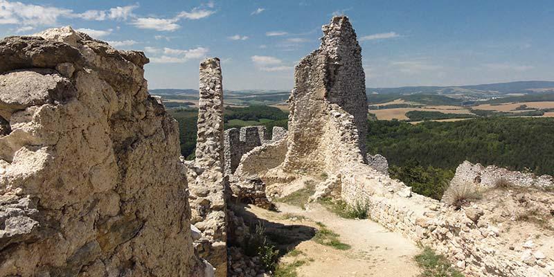 Het kasteel van Čachtice, de burcht was het onderkomen van de vrouwelijke Dracula